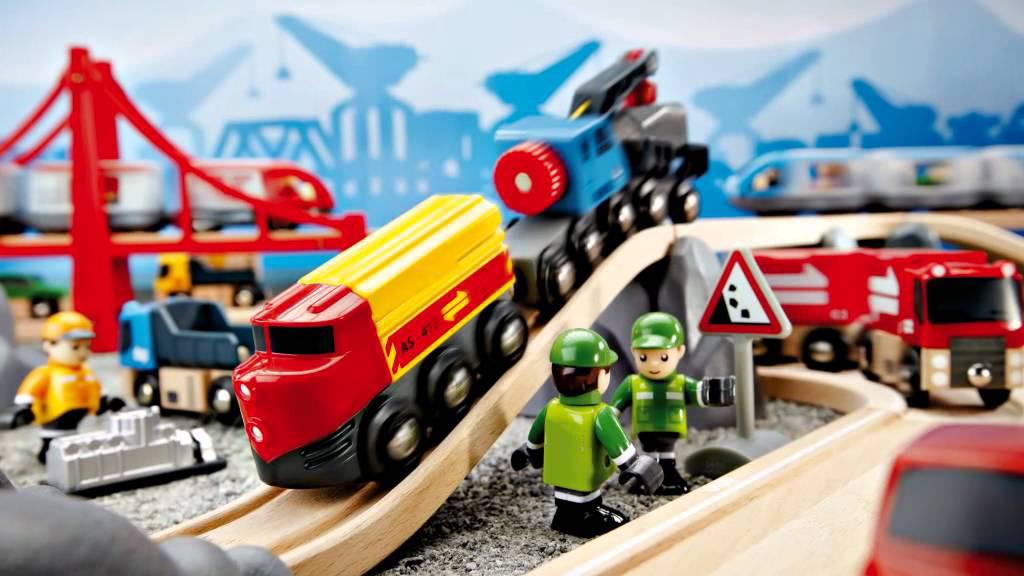 Top 5 món đồ chơi trẻ em được ưu chuộng phụ huynh nên mua cho bé